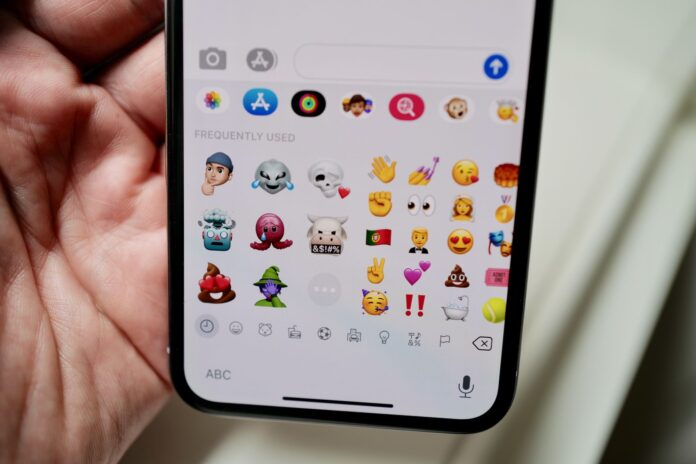 How to edit your Memoji in iOS 13 and 14 on an iPhone